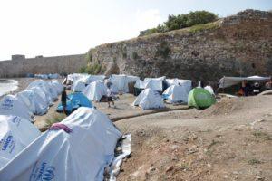 Απλήρωτοι οι 25 πρώην εργαζόμενοι στη ΜΚΟ PRAKSIS στη Χίο