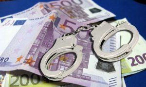 """""""Έκρηξη"""" κατασχέσων από το Δημόσιο μέσα στο 2017 – 73 οφειλέτες χρωστούν… 32 δισ. ευρώ"""