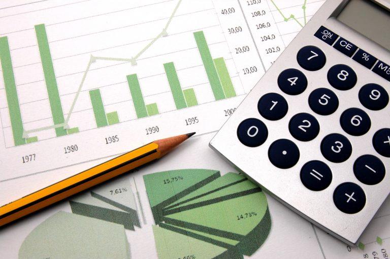 Μειώθηκε το χρέος επιχειρήσεων και νοικοκυριών στις τράπεζες   Newsit.gr