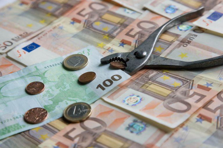 Κι όμως σκανδαλώδεις σπατάλες υπάρχουν! Συντάξεις των 6.000 ευρώ το μήνα, αλλά μηδενική δήλωση – Οι κραιπάλες που εντοπίστηκαν ΜΟΝΟ στο ΤΣΑΥ | Newsit.gr