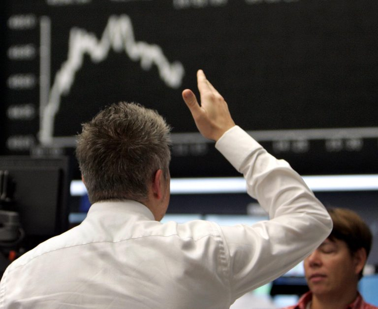 Επέστρεψαν οι αγοραστές στο ΧΑ | Newsit.gr