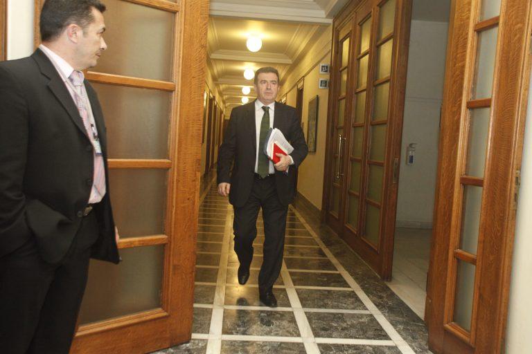 Αποκάλυψη Χρυσοχοΐδη: «Χωρίς αντικείμενο 110 υπάλληλοι εδώ και 10 χρόνια» | Newsit.gr