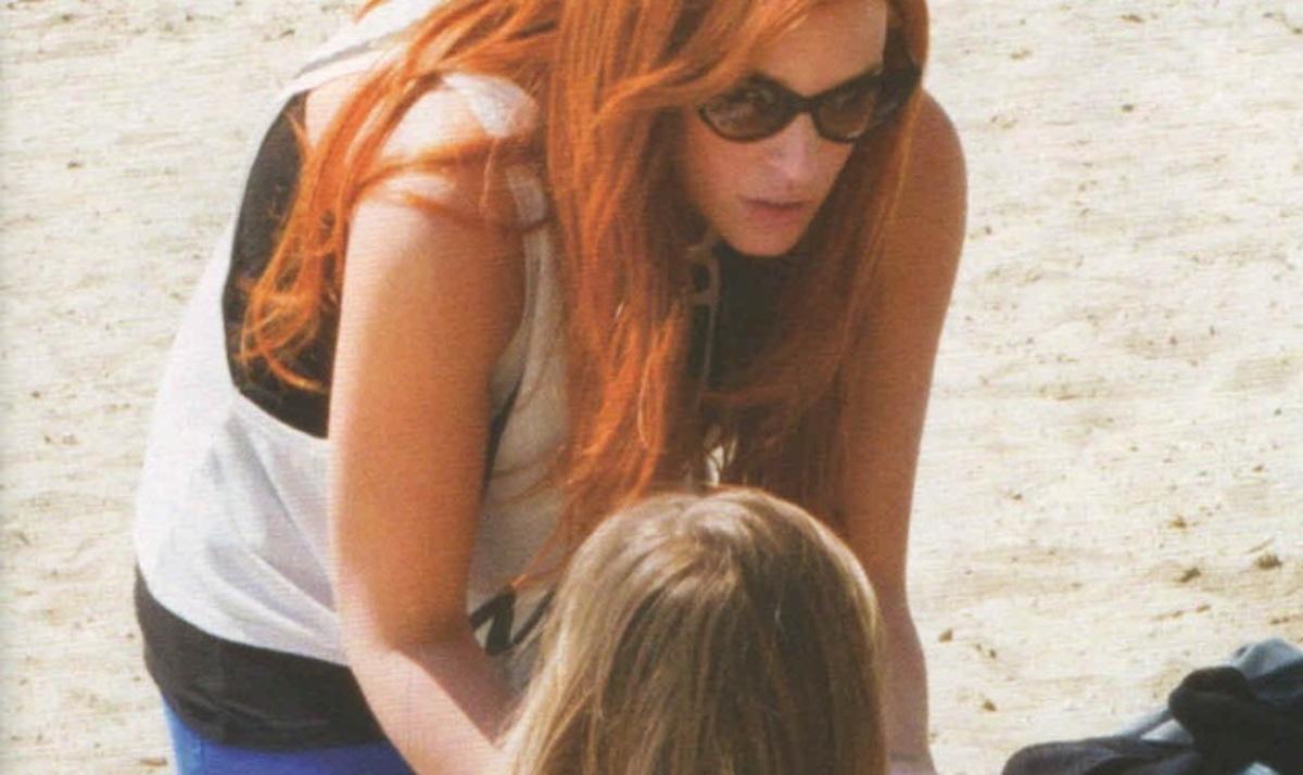 Σ. Χρηστίδου: Παιχνίδια στην άμμο με τον Φίλιππο! | Newsit.gr