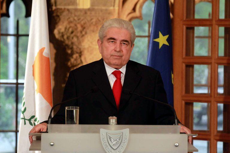 Χριστόφιας: Ο κυπριακός λαός θα καταφέρει και πάλι να σταθεί όρθιος   Newsit.gr