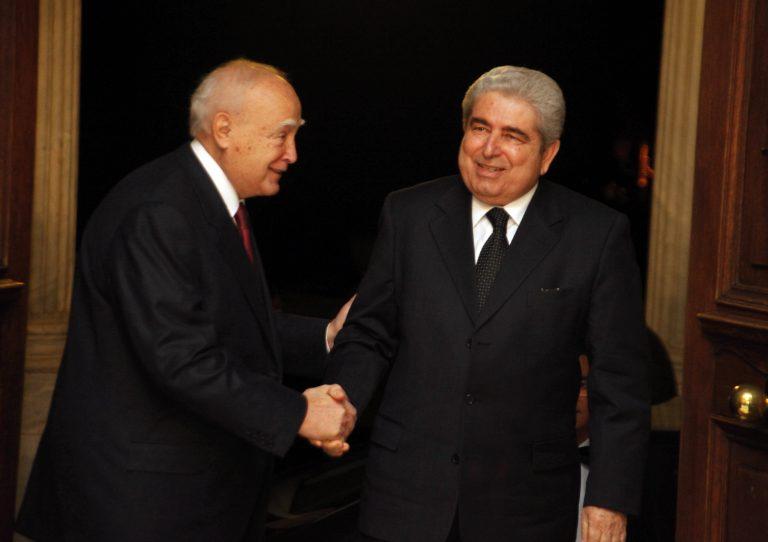 Έντονες διαβουλεύσεις για το Κυπριακό | Newsit.gr