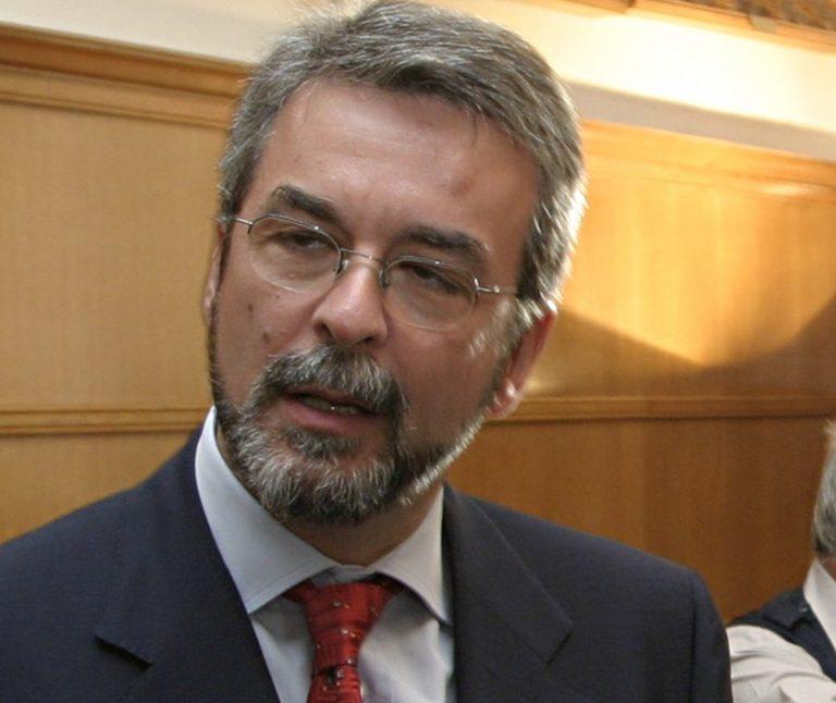 Συμφώνησε να αποζημιώσει τη Siemens ο Χριστοφοράκος | Newsit.gr