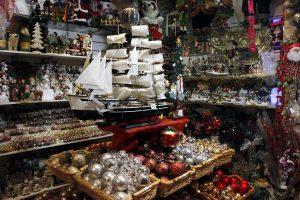 """Από τους πιο… φανατικούς των Χριστουγέννων οι Έλληνες – Στα 450 ευρώ το """"budget"""" για φέτος"""