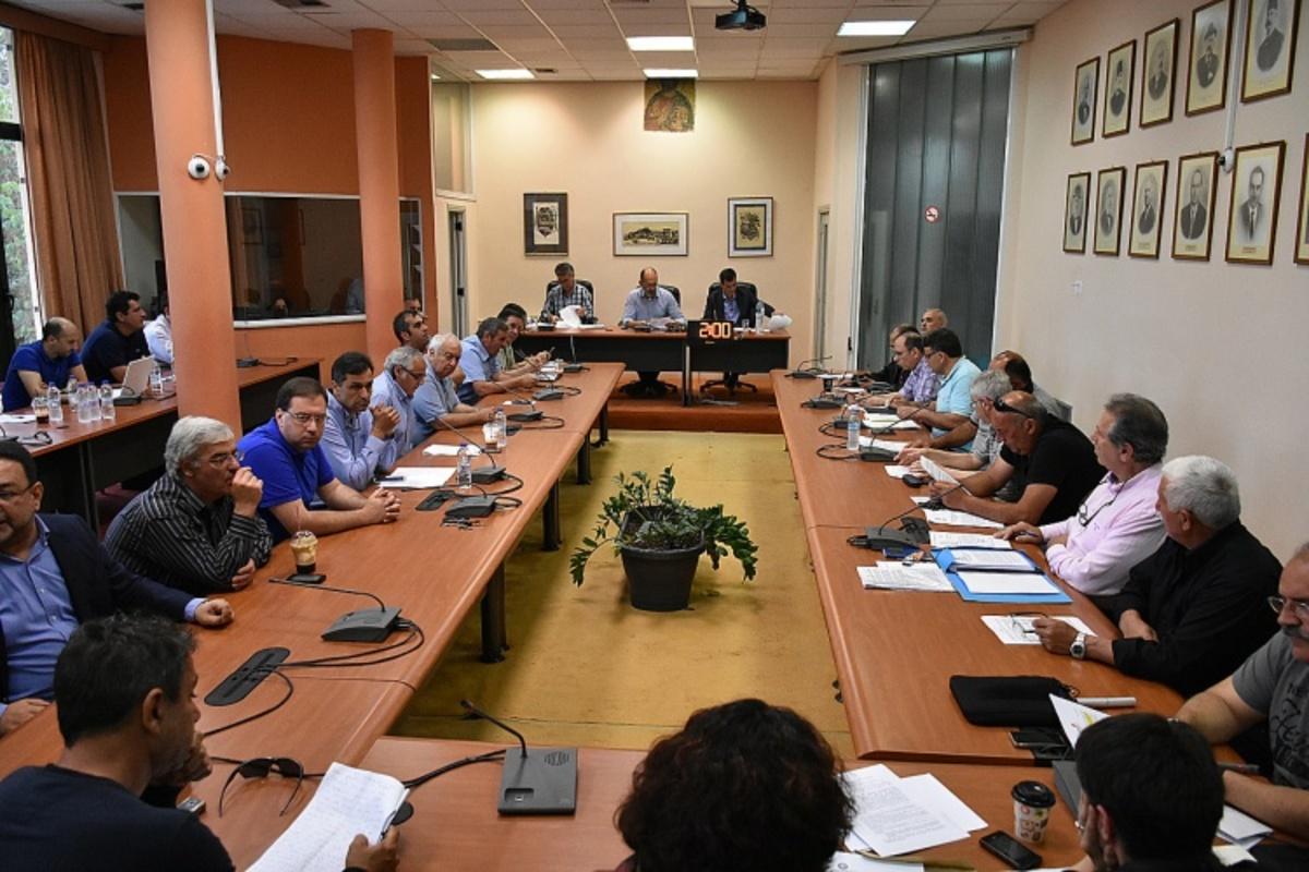 Χίος: «Ναι» από το Δημοτικό Συμβούλιο στη δημιουργία προαναχωρησιακού κέντρου μεταναστατών   Newsit.gr