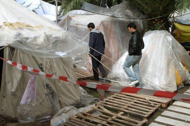Ποινική δίωξη στις δύο συνοδούς των απεργών πείνας – Διώκονται για δυο πλημμελήματα | Newsit.gr