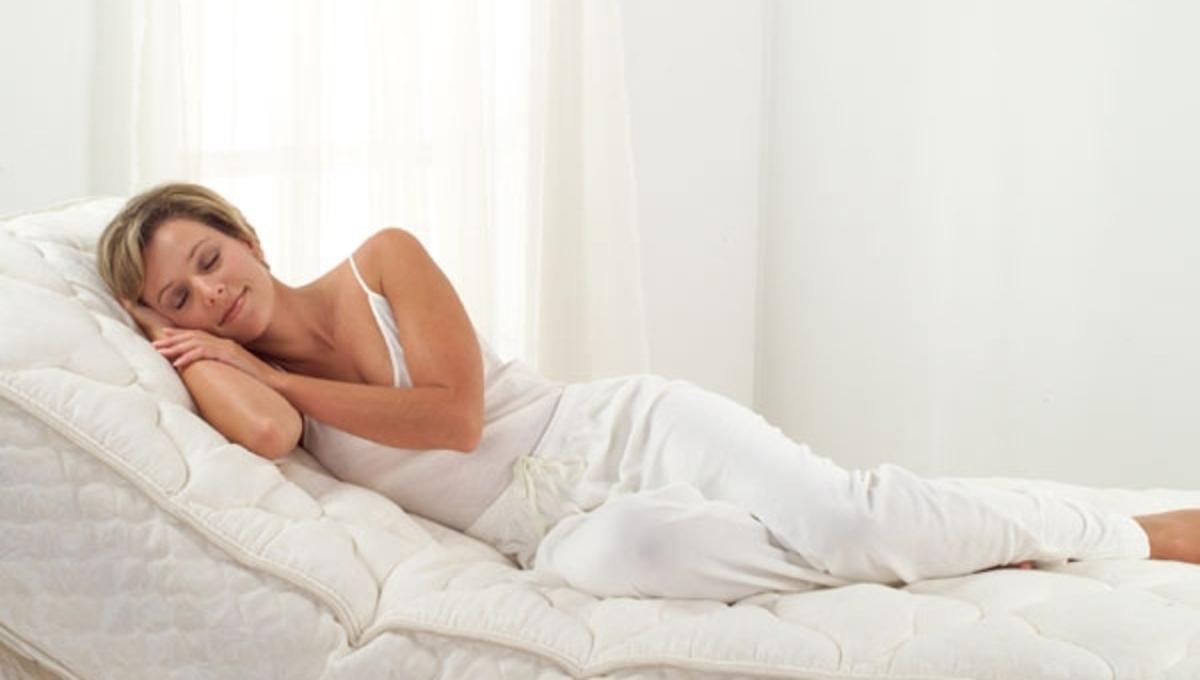 Μάθετε πως να επιλέξετε το κατάλληλο στρώμα για ένα καλό και άνετο ύπνο | Newsit.gr