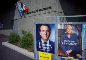 """Γαλλικές εκλογές – Δημοσκόπηση: Ο Μακρόν νιώθει την """"ανάσα"""" της Λε Πεν!"""