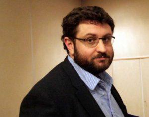 Τα μαζεύει ο Ζαχαριάδης: «Μεταφορικό το μας γράφει τα μνημόνια η Τρόικα»