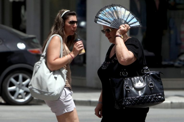 Κοκτέϊλ καύσωνα και υγρασίας από Τρίτη | Newsit.gr