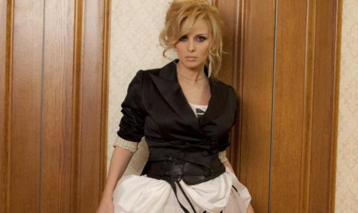 Σχεδίασε το εξώφυλλο του νέου album της Πέγκυς Ζήνα   Newsit.gr