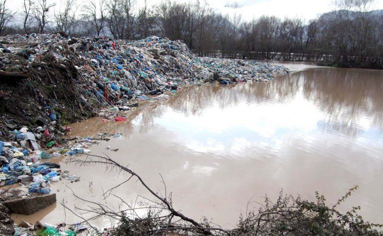 Λάρισα: Σκουπιδότοπος ο Πηνειός | Newsit.gr