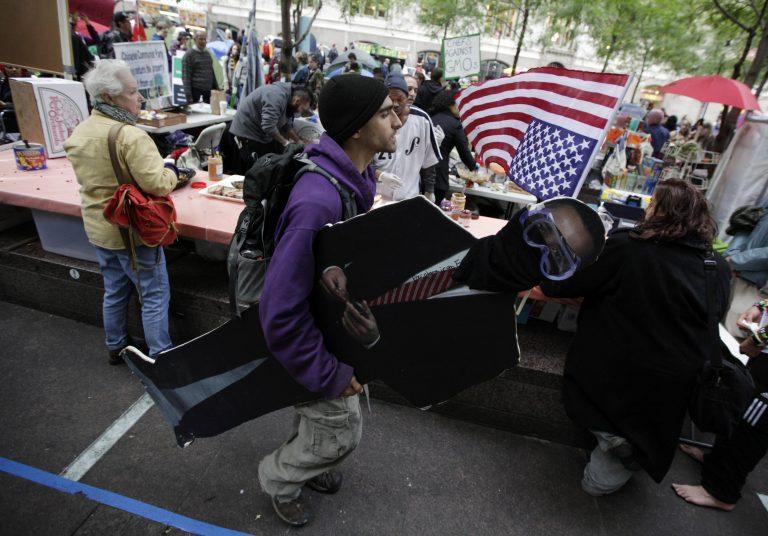 Εμπορική εκμετάλλευση των αγανακτισμένων της Νέας Υόρκης   Newsit.gr