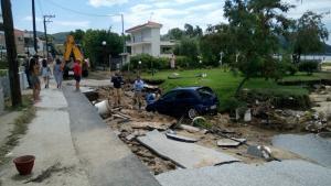 Χαλκιδική: Νέες εικόνες καταστροφής και χάους στη Σιθωνία μετά το πέρασμα της »Μέδουσας» [pics]