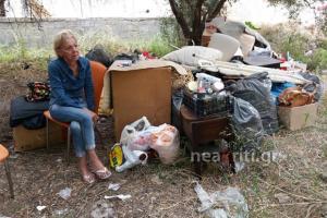 Κρήτη: Συγκλονίζουν τα δάκρυα της άνεργης μάνας – »Έχουν χαθεί τα πάντα στη ζωή μου» [vid]