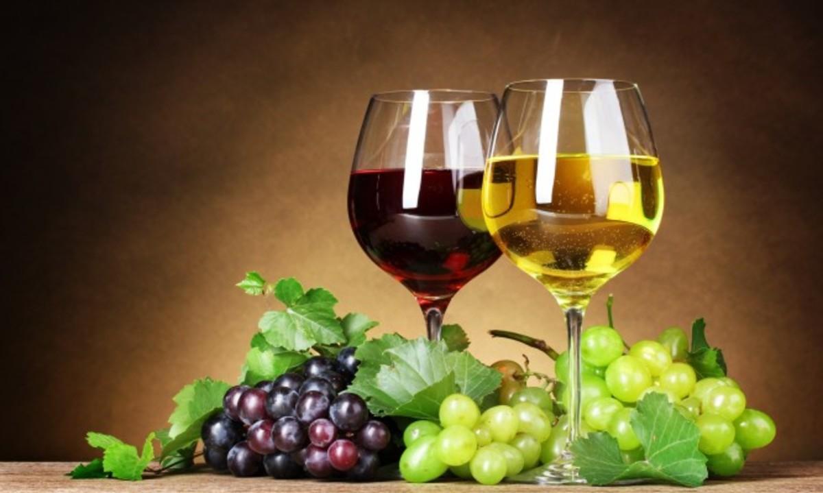 Λευκό ή κόκκινο κρασί; Τι προσφέρει το καθένα στην υγεία σας | Newsit.gr