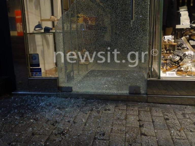 Ηριάννα: «Νύχτα Κρυστάλλων» στην Ερμού [pics] | Newsit.gr