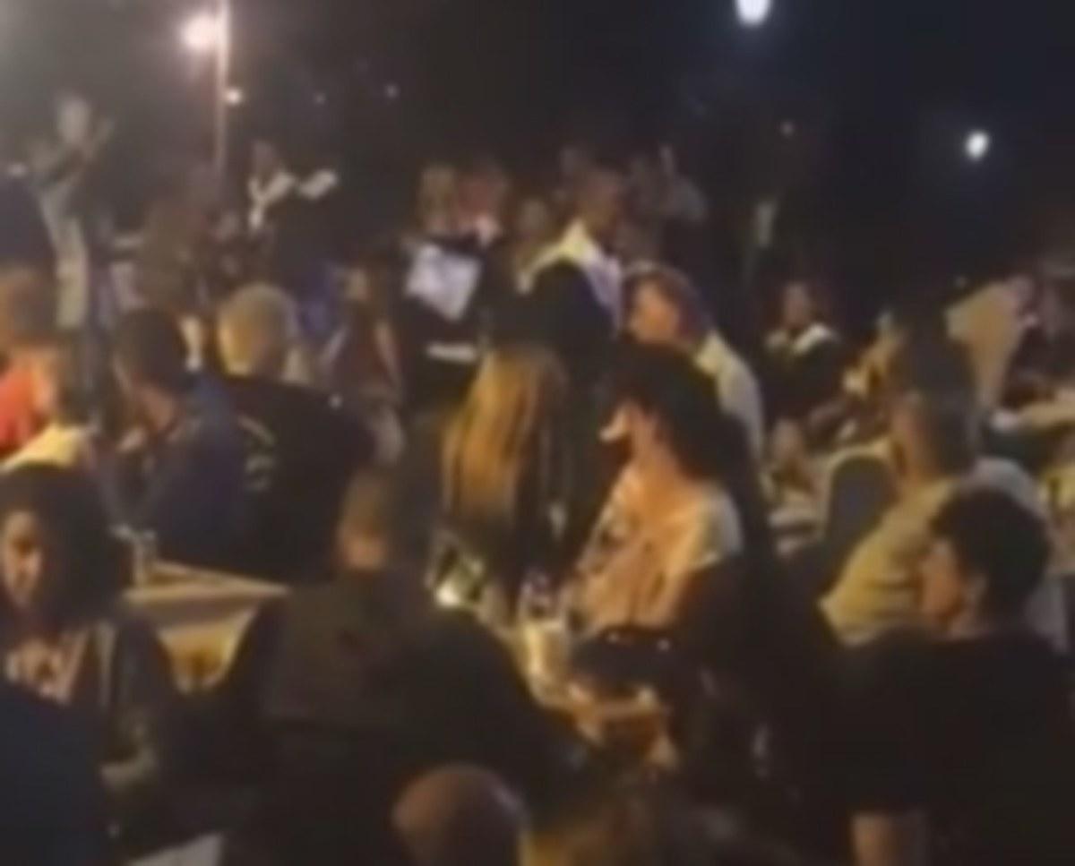 Κοζάνη: Despacito με κλαρίνα – Σαρώνει το διαδίκτυο το βίντεο από το πανηγύρι [vid] | Newsit.gr