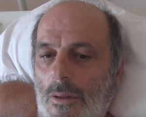 Κατερίνη: Τον σακάτεψαν αδέσποτα σκυλιά στην είσοδο του νοσοκομείου [vid, pics]