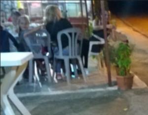 Αγρίνιο: Οι πελάτες του καφενείου κοιτούσαν την ίδια απίθανη εικόνα δίπλα τους [pics, vid]