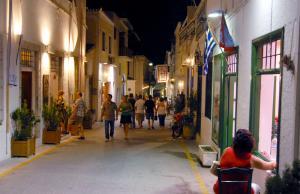 Σπέτσες: Οι διακοπές του Άλκη Δαυίδ χωρίς την σύζυγό του – Στιγμές χαλάρωσης με τα παιδιά του!