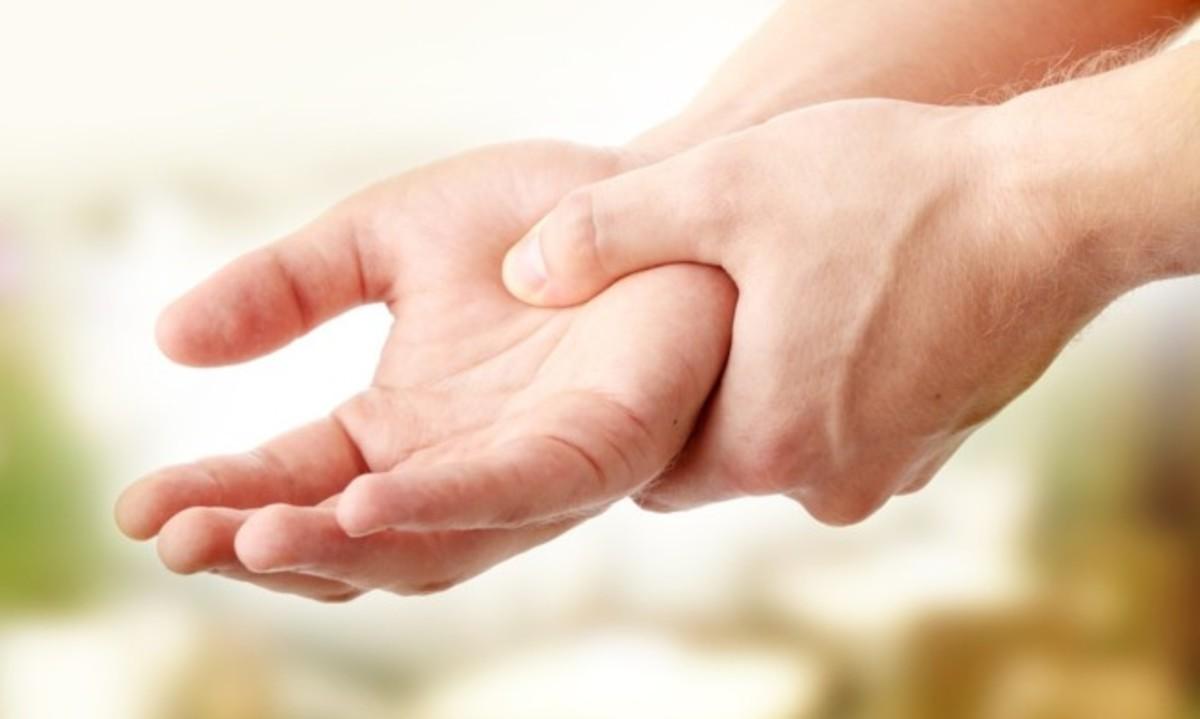 Μούδιασμα χεριών: Όλες οι πιθανές αιτίες [λίστα]   Newsit.gr