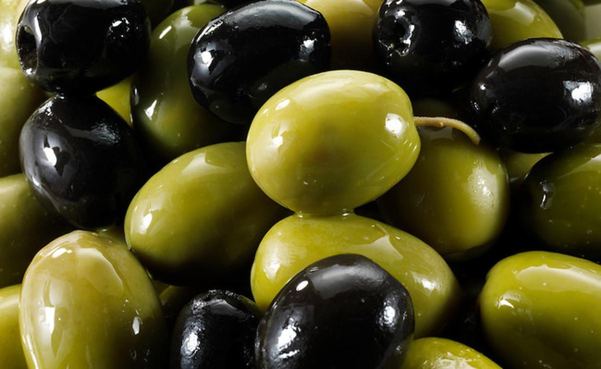 Πράσινες (VS) μαύρες ελιές: Προσοχή στην πίεση του αίματος – Τι πρέπει να ξέρετε   Newsit.gr