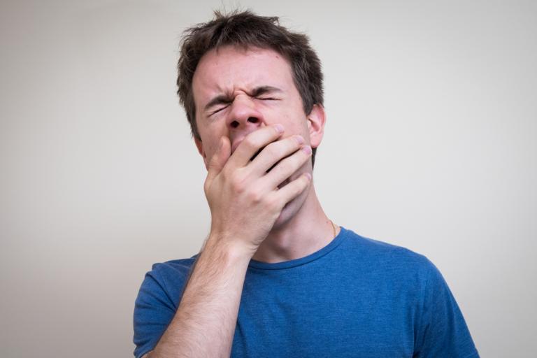 Τι παθαίνει με το χασμουρητό ένας… ψυχοπαθής!   Newsit.gr