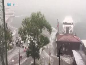 Σφοδρή χαλαζόπτωση στην Κωνσταντινούπολη! Συγκλονιστικό βίντεο