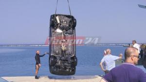 Πάτρα: Βουτιά θανάτου στο λιμάνι – Νεκρός ο οδηγός του αυτοκινήτου που έπεσε στη θάλασσα [pics, vids]