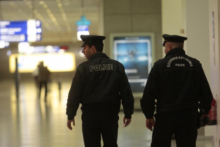 Κρήτη: Έμειναν με τα εισιτήρια στα χέρια – 14 συλλήψεις στα αεροδρόμια Ηρακλείου και Χανίων! | Newsit.gr