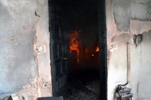 Πιερία: Τραγωδία σε φλεγόμενο σπίτι – Νεκρός άντρας σε κρεβάτι – Εγκλωβίστηκε στη φωτιά!