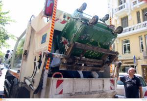 Θεσσαλονίκη: Η χρυσή τομή για τα σκουπίδια – Στους δρόμους και σήμερα τα απορριμματοφόρα!