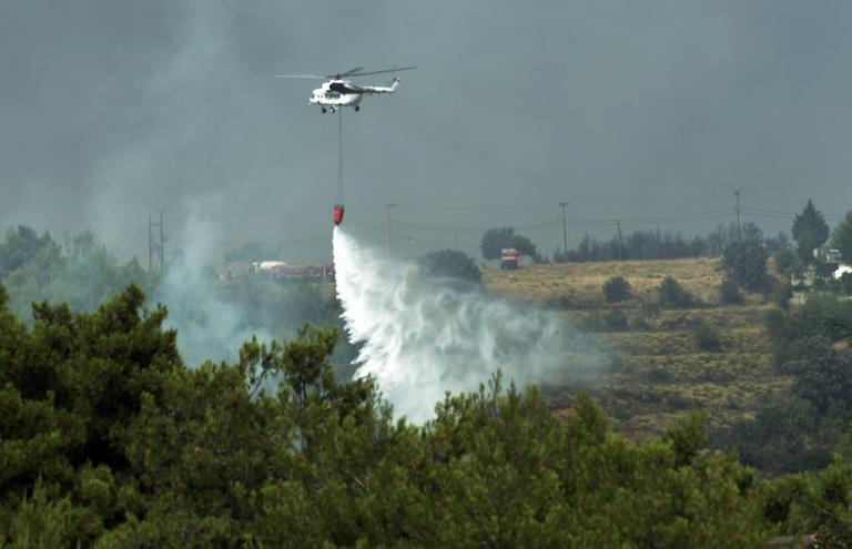 Φωτιά στην Αττική: Απελπισμένοι οι κάτοικοι κάνουν έκκληση για πόσιμο νερό – Μεγάλη αναζωπύρωση στο Καπανδρίτι [pics, vids] | Newsit.gr