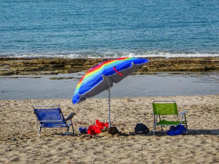Φθιώτιδα: Θρίλερ σε παραλία με 5χρονο κ0ριτσάκι – Το παιχνίδι στην άμμο έκρυβε παγίδες!