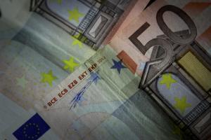 Τι θα γίνει με τα 1.000 ευρώ το μήνα μέσω αποδείξεων από POS