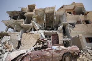 Συρία: Σφυροκοπούν το Ισλαμικό Κράτος – Έφτασαν στην τελευταία πόλη που ελέγχει!