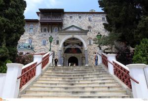 Αποδεκτή η τροπολογία που εξαιρεί από ΕΝΦΙΑ και Ε9 τα ακίνητα των Μονών του Αγίου Όρους