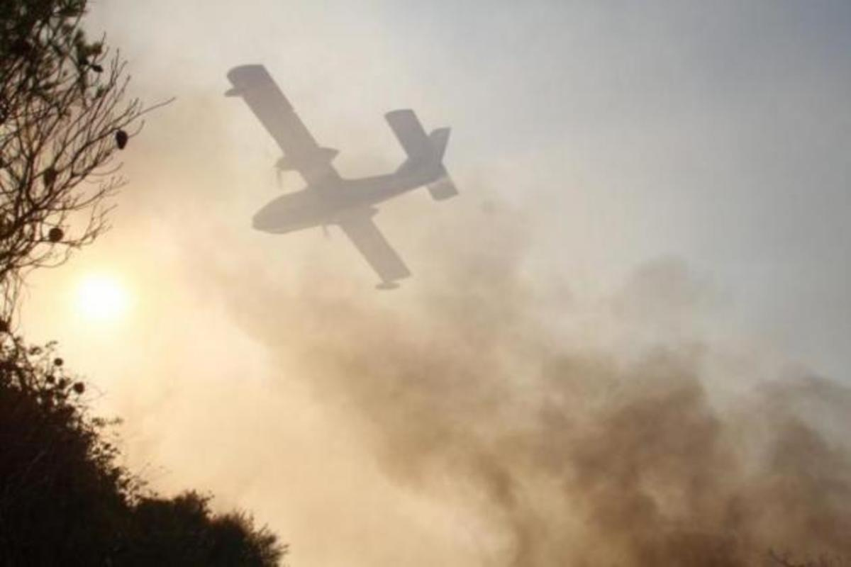 Επάγγελμα, πιλότος Canadair CL-215: Oι ήρωες κάθε καλοκαιριού μας [pics] | Newsit.gr