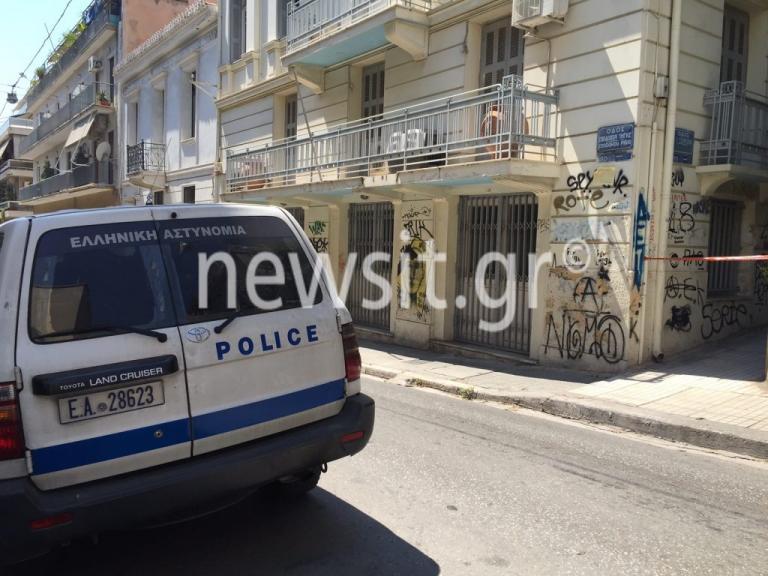 Άγρια δολοφονία στα Εξάρχεια – Τον βρήκαν δεμένο πισθάγκωνα στο διαμέρισμά του [pics] | Newsit.gr
