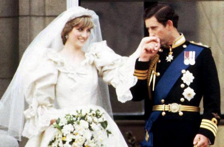 Νταϊάνα: Στοιχειώνει τον Κάρολο! Δεν τον θέλουν βασιλιά – Ασυγχώρητη η απιστία!   Newsit.gr