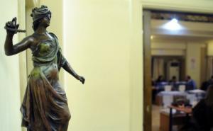"""Δικηγόροι εναντίον κυβέρνησης: """"Καταλαβαίνουμε την απογοήτευσή σας – Επιλεκτική η μνήμη Κοντονή"""""""