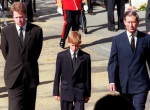 Τα ψέματα από το παλάτι για την κηδεία της Νταϊάνα