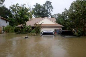 ΗΠΑ: Στους 7 οι νεκροί από τον φονικό τυφώνα Χάρβεϊ – Έρχονται χειρότερες πλημμύρες! [pics]
