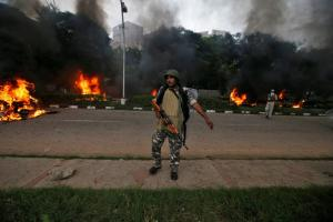 Ινδία: Ταραχές μετά την καταδίκη ενός γκουρού για βιασμό – Τουλάχιστον 29 νεκροί, 200 τραυματίες