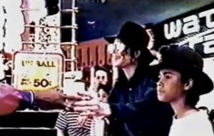 Michael Jackson: Ανθρωποκυνηγητό για τον πρώτο άνθρωπο που τον κατηγόρησε για παρενόχληση