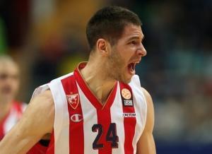 Ολυμπιακός – «Υποβάλλεται σε ιατρικές εξετάσεις ο Γιόβιτς»